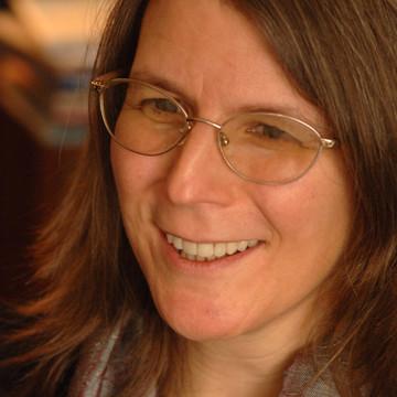 Lisa Rowe Fraustino